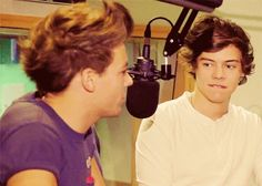Larry Stylinson: Why I Truly Think Louis And Harry Are Dating