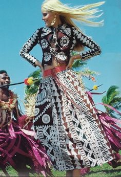Donald Brooks tapa cloth print, photo from the early 70s Vogue. Fiji Islands