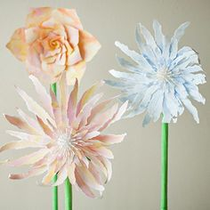 We love how whimsical these giant standing paper flowers are! See how to make them...