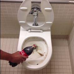 Vieze WC? Gebruik Cola!. Bekijk dit superleuke filmpje