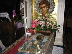 Agios Iwannis o rwssos Lives Of The Saints, Byzantine Icons, Orthodox Christianity, Holy Family, Orthodox Icons, Christian Faith, Holidays And Events, Religion, Blessed