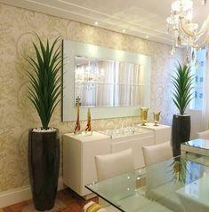 Decore a sala de jantar com flores artificiais Elegant Living Room, Elegant Dining, Living Room Modern, Home And Living, Living Room Decor, Indian Home Decor, Dining Room Design, Home Furniture, Home Decor Ideas