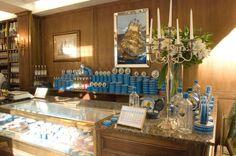 The Caviar corner at Petrossian in Paris 7e | Le bar à caviar de la boutique Petrossian du 7e arrondissement de Paris #petrossianparis7e