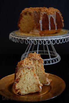 Los Postres de Teresa: Bizcocho de turrón Bunt Cakes, Cupcake Cakes, Nougat Cake, No Bake Desserts, Dessert Recipes, Pan Dulce, Pureed Food Recipes, Bread Cake, Sweet Bread