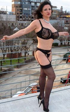 Frauen nackt große brüste