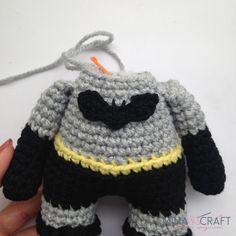 Crochet Lovey Free Pattern, Minion Crochet Patterns, Baby Patterns, Free Crochet, Batman Amigurumi, Batman Free, Crochet Batman, Crochet Doll Tutorial, Crochet Art