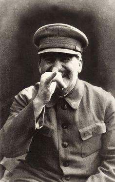 Socialismo + ditadura...