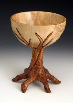 Wooden chalice with turned bowl. Wood Turning Projects, Wood Projects, Woodworking Projects, Welding Projects, Woodworking Jigs, Coconut Shell Crafts, Wood Carving Art, Wood Carvings, Diy Holz