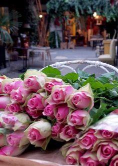 Flea market roses, Paris