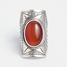 Inel Timbuktu, argint gravat și carneol, Sahara #metaphora #silverjewelry #tuaregjewelry #ring #carnelian #sahara Gemstone Rings, Jewellery, Gemstones, Vintage, Jewels, Gems, Schmuck, Vintage Comics, Minerals