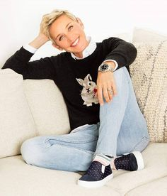 Ellen Degeneres And Portia, Ellen And Portia, Funny Sports Pictures, Funny Photos, Minions Funny Images, Minions Quotes, Funny Minion, Funny Jokes, Portia De Rossi