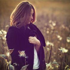 Düşünceler ikliminde, hayat sürekli tekrar ederken...  Arzular  seni yeni, farklı deneyimlere doğru sürüklüyor. İnsanı yoran, bitmeyen tekrarlardır Zihnimizde var ettiklerimizin hayatı nasıl etkilediğini fark etmeden yaşamaya devam ediyoruz...