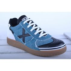 Zapatillas Munich Sports 2014   55€ -15% 46,75€   #Spring #elplanetadelasmarcas.es #welovefashion #zapatillas #shoes #football #muncih #G3 #kids