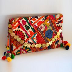 Nana and Jules boho chic Cartera de monedas mediana, bordada a mano