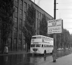 Behind the BVG bus is the Haus des Rundfunks in the former british sector in West-Berlin, back then seat of the soviet controlled Berliner Rundfunk of the GDR. (1955)  source: Bundesarchiv, Brodde