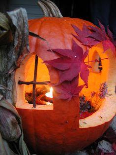 Fall Decorating: Fairy Pumpkin House