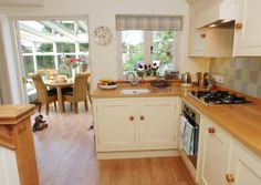 eat in conservatory off kitchen  Old Fox Cottage Cotswolds Unique Home Stays 3 hookedonhouses