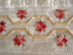 Towel Embroidery, Hand Embroidery Designs, Cross Stitch Embroidery, Cross Stitch Patterns, Swedish Weaving, Drawn Thread, Bargello, Decoration, Needlework