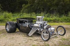 The majority of people building a rat rod now are actually employing this apparatus. A Rat Rod is a kind of car that's built with the support of old stuff. Rat Rod Pickup, Old Hot Rods, Classic Hot Rod, Classic Cars, T Bucket, Car Chevrolet, Big Trucks, Dodge Trucks, Pickup Trucks