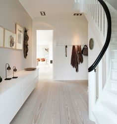 Contemporary simplicity of lines and white palette - Inviting Foyer - ShowHome.nl, interieur design by nicole & fleur. Hallway Inspiration, Interior Design Inspiration, Entry Hallway, Foyer, Entryway Decor, Style At Home, White Washed Floors, House Entrance, Entrance Hall