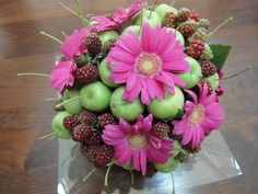 Ball with flowers and fruit - Chrysanthemum apples and blackberries | Uploaded by Miho.Noma