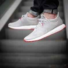 """""""Last one"""" Adidas ultraboost uncaged x @solebox_official  Pic  by @n1x0n_91  #solebox #boostvibes #adidasultraboost #ultraboost #adidasconsortium #g1runners #sneakersmag #snkrhds #runnersclubuk #klekttakeover #hichemog #tijoojit #joyaparis #sadp #weartga #crepecity #runnergang #womft #sneakersaddict #sneakerplaats #runnerwally #sneakerheaduk #thewordonthefeet #runnersonly #therealblacklist #thedropdate #hypebeast #ModernNotoriety #wdywt #highsnobiety by krykor"""