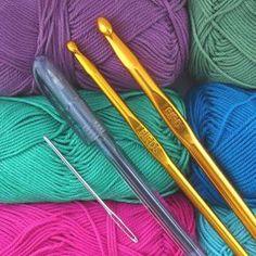 Free crochet tutorials - Time to develop skills - Amigurumi Knitting Charts, Baby Knitting Patterns, Crochet Baby, Free Crochet, Knit Crochet, Hobby Kits, Sock Animals, Knitted Headband, Tejidos