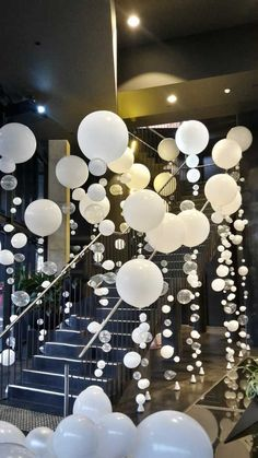 45 Awesome DIY Balloon Decor Ideas Eingangsdekor Antenne South Wharf Melbourne & Bio Bubble Strand Luftballons The post 45 fantastische DIY Ballon-Dekor-Ideen appeared first on Decoration and Outfits. Ballon Party, Deco Ballon, Party Party, 30th Party, Big Party, Diy Balloon, Balloon Garland, Balloon Backdrop, Diy Backdrop