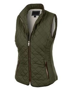 winter outfits korean This lightweight quilted brush fleece jacket vest with pockets is the essential piece you must have! Its inner brushed fleece will give you all the comfort and fleece you need. This zip up jacket is p Puffer Vest, Puffer Jackets, Chaleco Casual, Winter Vest, Vest Outfits, Inspiration Mode, Quilted Vest, Men's Coats And Jackets, Models