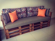 Crazy Projects For DIY Pallet Couches