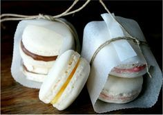 """How to make macarons with Thermomix, by Mara I've been baking macarons for 10 years now. The only batch that resulted on a disaster was the first, and I hadn't used my Thermomix for that one. Then I got the book """"simplemente espectacular"""" (Vorwerk) whe Sans Gluten Thermomix, Thermomix Desserts, My Recipes, Sweet Recipes, Cooking Recipes, Favorite Recipes, How To Make Macarons, Making Macarons, Coconut Milk Yogurt"""