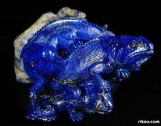 "5.7 "" Carved Lapis Lazuli Lizards Sculpture. Stone origin : Afghanistan. Via rikoo.com ( top view )"