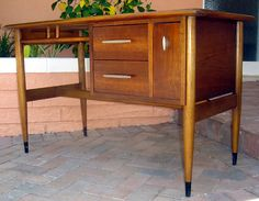 Lane Acclaim Mid Century Modern Desk. I Need It In My Life. And