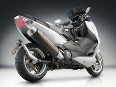 Yamaha T-Max upskirt.