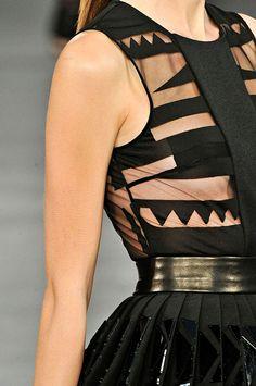 Dress Code: BLACK IS THE NEW BLACK http://www.azarialamode.com/?p=5267