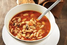 Yummy bean soup recipe. The perfect dinner for when it's cold outside! #recipe #soup