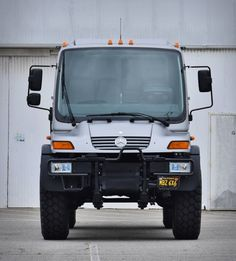 Looking for the ultimate starting point for your expedition vehicle? Check out this impressive Unimog for sale. The Mercedes-Benz Unimog is easily one of the most iconic of all time, a highly adaptable off-roader that you can count on, with grea Mercedes Benz Unimog, Mercedes Truck, Unimog For Sale, Lightweight Campers, Mercedez Benz, Bentley Mulsanne, Dodge Power Wagon, Custom Paint Jobs, Expedition Vehicle