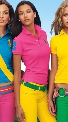 Great example of what the face of Polo resembles today. Polo utilizes high intensity colors that are mixed and matched together across several models to show all of the bright, preppy options RLP offers. Fashion Colours, Colorful Fashion, Ralph Lauren Style, Polo Ralph Lauren, Moda Preppy, Estilo Resort, Preppy Style, My Style, Estilo Preppy