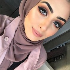 How pretty!!  @beauty.by.aisha | #makeup