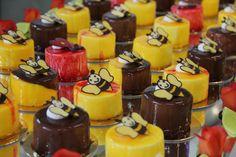 #torte #kuchen #konditorei #cafe #hugosbackstube #confiserie #patisserie Cheesecake, Desserts, Food, Pies, Cakes, Cake Shop, Meal, Cheesecakes, Deserts