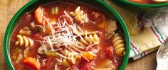 Slow Cooker Vegetable Minestrone Soup - Savor slow-cooked Italian soup with little effort by letting your slow cooker do all the work! This is one hearty soup recipe the whole family will love. Crock Pot Soup, Crock Pot Slow Cooker, Crock Pot Cooking, Slow Cooker Recipes, Crockpot Recipes, Cooking Recipes, Healthy Recipes, Healthy Soups, Vegetarian Recipes