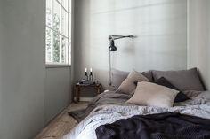 Vindu mellom stue og sovealkove