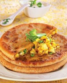 Aloo Gobi ke Parathe (Punjabi Paratha) Wake up! Veg Recipes, Indian Food Recipes, Asian Recipes, Vegetarian Recipes, Cooking Recipes, Healthy Recipes, Punjabi Recipes, Tortilla Recipes, Naan