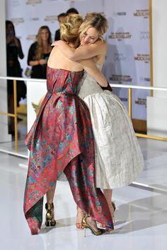 Jennifer Lawrence cuddled up to Elizabeth Banks at the LA premiere of The Hunger Games: Mockingjay — Part 1 in November 2014.