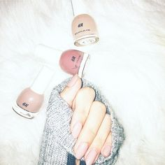 H&M nailpolish nude
