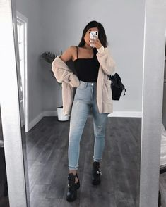 """These """"hide your muffin top jeans"""" are doing a really good job hiding my muffin because right before I took this pic I ate like Teen Fashion Outfits, Trendy Outfits, Fall Outfits, Summer Outfits, Cute Outfits, Fashion Pics, Fashion Clothes, Fall Fashion, High Fashion"""