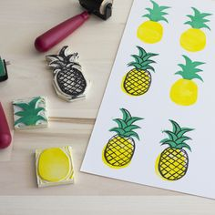 Pineapple Block Print Wreath and Gift Tag