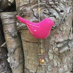 This pink hanging bird decoration has been made using bright pink commercial felt. It has been decorated on both sides using gold coloured thread and gold acrylic half pearls. It has then been sewn up using a gold coloured thread in a visible overstitc. Christmas Fun, Christmas Decorations, Christmas Ornaments, Holiday Decor, Felt Birds, Bright Pink, September, Challenge, Colours