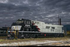 RailPictures.Net Photo: 4002 Norfolk Southern AC44C6M at Altoona, Pennsylvania by Norfolk Southern Corp