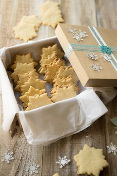 Vanilla Cardamom Snowflake Cookies & 100 of the best cookie recipes for Christmas
